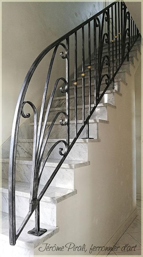 rampe d 39 escalier en fer forg classique ou contemporain. Black Bedroom Furniture Sets. Home Design Ideas
